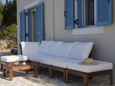 explore-lefkada-eco-friendly-villas-12