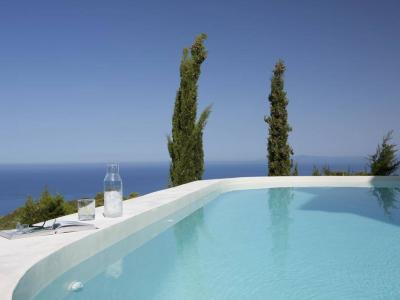 explore-lefkada-eco-friendly-villas-39